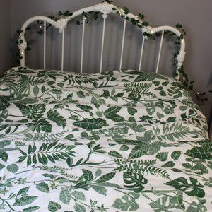 Urban Outfitters Greenery Duvet NWOT Queen